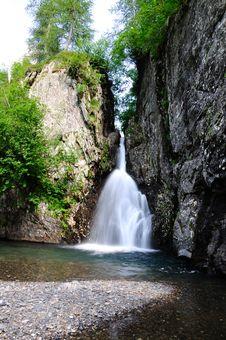 Free Waterfall Royalty Free Stock Image - 15199566