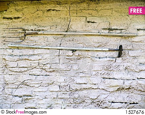 Free Old Tools On A Wall Royalty Free Stock Image - 1527676