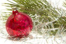Free Christmas Ball And Tinsel Stock Photography - 1521512