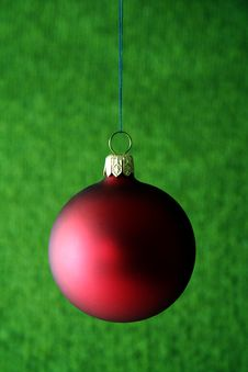 Free Red Christmas Ball Royalty Free Stock Images - 1525349