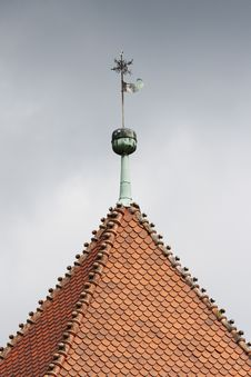 Free Old Roof Royalty Free Stock Photo - 15200915