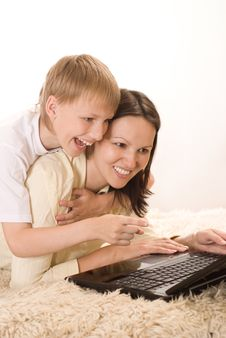 Free Happy Mom And Son Stock Photography - 15201122