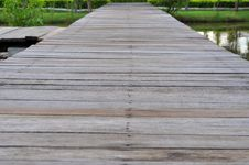 Free The Wood Bridge Royalty Free Stock Images - 15202309