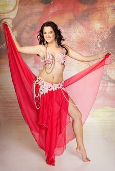 Free Beautiful Woman Dancer In Bright Costume Royalty Free Stock Photo - 15209655