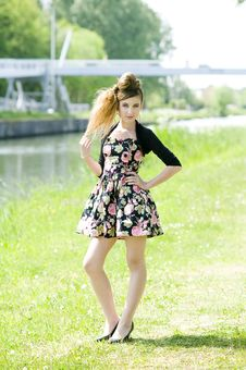 Free Teenager Girl Model Presenting Clothes In The Park Stock Images - 15210884
