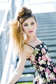 Free Teenager Girl Model Presenting Clothes In The Park Royalty Free Stock Photo - 15211235