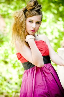 Free Teenager Girl Model Presenting Clothes Royalty Free Stock Photography - 15211817