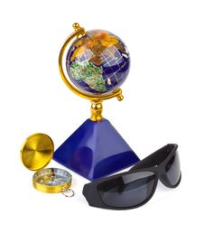 Free Sunglasses, Compass And Globe Royalty Free Stock Photo - 15218135