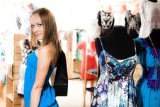 Free Nice Girl Is Shopping Stock Photography - 15221372