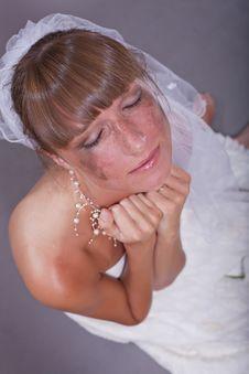 Free Sad Bride Crying Royalty Free Stock Photo - 15224615