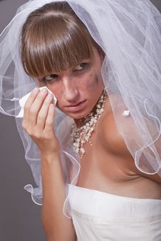 Free Crying Bride With Handkerchief Stock Photography - 15224682