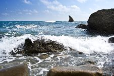 Free Sea Landscape With A Shark-like Stone Royalty Free Stock Photography - 15224707
