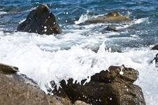 Free Wave With Foam Royalty Free Stock Images - 15224799