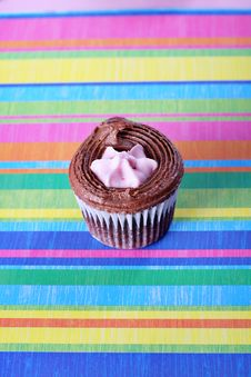 Free Raspberry Filled Cupcake On Colorful Background Royalty Free Stock Images - 15225949