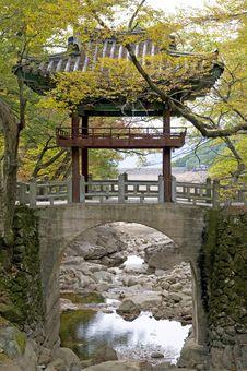 Temple Bridge In Autumn Colors Stock Photo