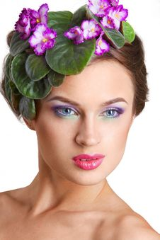 Free Beautiful Girl With A Wreath Of Flowers Royalty Free Stock Images - 15228459