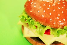Free Appetizing Cheeseburger Royalty Free Stock Images - 15228939