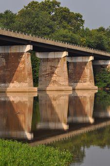Free Bridge Reflection Royalty Free Stock Photo - 15229725