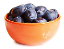 Free Juicy Plums On The Plate Royalty Free Stock Photos - 15231098