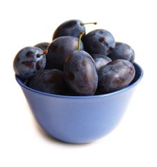 Free Plums On Blue Plate Royalty Free Stock Photography - 15231107