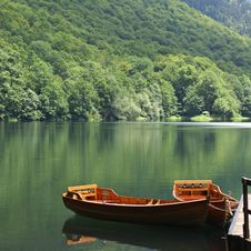 Free Boats On The Lake Royalty Free Stock Images - 15235069
