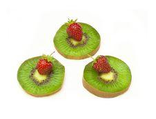 Free Kiwi And Strawberry Royalty Free Stock Photos - 15235398