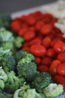 Free Broccoli With Tomatoes Stock Photos - 15236813