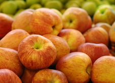 Free Apples In Market Royalty Free Stock Image - 15237886