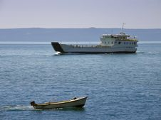 Free Ship Traffic In Adriatic Sea Royalty Free Stock Photos - 15239578