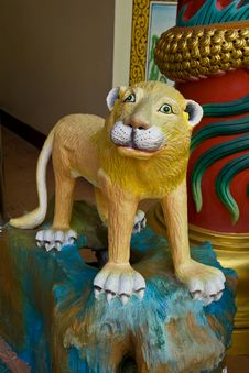 Free Chinese Lion Statue Royalty Free Stock Photos - 15241258