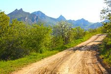 Free Road In The Crimean Mountains Royalty Free Stock Image - 15244586