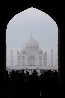 Free View From The Entrance Of Taj Mahal On A Foggy Morning Royalty Free Stock Image - 152453726
