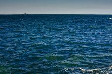 Free Ocean Horizon With Island Royalty Free Stock Photography - 15252527