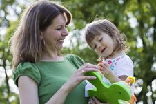 Free Beautiful Mother And Daughter Playing Together Royalty Free Stock Images - 15253169