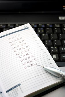 Free A Notepad And A Pen Royalty Free Stock Photo - 15253195