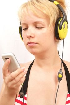 Free Girl With Headphones Stock Image - 15254751
