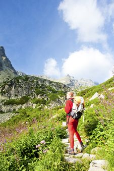 Free Woman Backpacker In High Tatras Royalty Free Stock Photos - 15258058