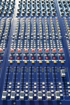Free Mixer Console Stock Images - 15258724