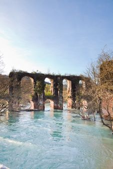 Free Roman Aqueduct In Epirus Royalty Free Stock Images - 15263659