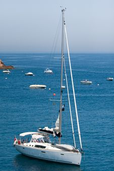 Free Yacht On Still Sea Royalty Free Stock Photos - 15264848