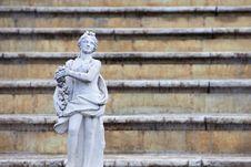Free Sculptures In Park In Peterhof Royalty Free Stock Photo - 15274025