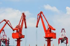 Free Pier Cranes Royalty Free Stock Photo - 15275645