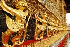 Free Golden Garuda Of Wat Prakaew Royalty Free Stock Photography - 15275737