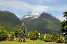 Free Village Of Loen On Nordfjord Stock Photo - 15276770