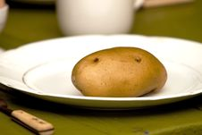 Free Potato For Dinner Stock Photography - 15283062