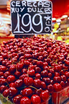 Free Cherries Royalty Free Stock Photo - 15283965