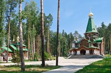 Free Orthodox Temple Complex Royalty Free Stock Photography - 15296167