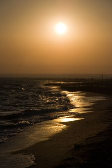 Free Bright Sea Sunset Royalty Free Stock Photography - 15296647