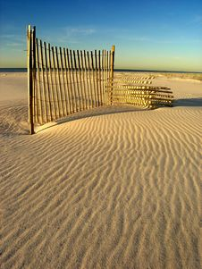 Free Beach Fence Royalty Free Stock Image - 1533136