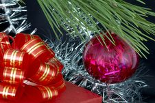Free Gift Box, Christmas Ball And Tinsel Stock Image - 1534091